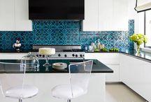 Kitchen Backsplashes / by Carrie Volkman