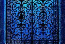PORTALS ((((O)))) DOORS / .
