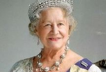 ROYALS: Queen Mum / All about the wonderful mother of our Queen, Elizabeth I and King George