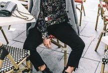 Blumenprint | Florale Muster Outfits / Florale Muster sind feminin, können aber auch vor allem auch in tollen Stilbrüchen gestylt werden. Egal ob Röcke Kleider oder Blusen - Kleidungsstücke mit Blumenprint gehören zu den Must-Haves der Saison. Auf dieser Pinnwand finden sich inspirierende Looks, die zeigen, wie vielseitig man florale Prints kombinieren kann.