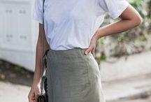 Leinen | Trend Outfits / Das Trendmaterial Leinen ist ein leichtes und luftiges Material und perfekt für Sommeroutfits geeignet. In den Naturfarben Beige und Weiß, aber auch in Blau oder Rot bringen Kleidungsstücke aus Leinen Urlaubsfeeling in jeden Look. Diese sommerliche Street Styles zeigen, wie man Leinen kombinieren kann.