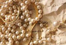 Baskets & Pearls / by Mariann Gilicze