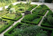 Potager Vegetable Gardens / Beautifully designed potager vegetable garden