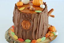 Snacky French 1st Birthday Cakes / 1st Birthday Cakes + Smash cakes