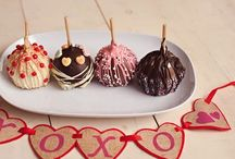 Gourmet Apples / The freshest and most delicious melt in your mouth Chocolate & Caramel covered Apples. Drenched in buttery caramel then coated in rich & creamy milk, white or dark chocolate and topped with a variety of nuts, drizzle and sprinkles.   www.hanselandgretelcandykitchen.com  1-800-524-3008
