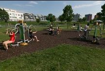 .FreeGymParks. / Fotos von Grünanlagen mit der Möglichkeit auf Fitness an der frischen Luft, dank der FreeGym Fitnessgeräte.