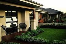 Beautiful landscaping ideas / Beautiful gardens and outdoor areas that you could spend all day looking at.