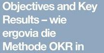 OKR - Objectives and Key Results / Die OKR-Methode ist ein System zum Organisieren von Zielen und Meilensteinen innerhalb eines Unternehmens. Diese Ziele werden immer wieder quartalsweise überprüft und angepasst, sodass ein sehr wendiges Arbeiten möglich ist. Durch die klar formulierten Ziele bekommen die Mitarbeiter Orientierung und Motivation für ihre eigene Arbeit. #OKR #Objectives #KeyResults