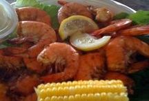Oak Island & Coastal NC Seafood / If you're looking for some fantastic seafood restaurants then look no further than these famous local fisheries! You can also visit our Seafood page at https://www.rudd.com/oak-island-guide/restaurants/seafood/