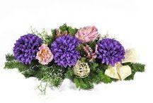 Wszystkich Świętych: wiązanki, kompozycje kwiatowe na grób, stroiki nagrobne / Prezentujemy niektóre z naszych kompozycji ze sztucznych kwiatów. VillaFlora.pl