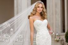 Wedding Dresses / Collection of Wedding Dresses, Brides Gowns, Engagement Dresses...