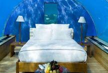 Hotels! Extraordinary hotels around the world / Amazing hotels