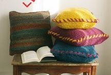 Home Decoration & Inspiration / Be your own interior stylist with our free knitting and crochet patterns! Cute home deco like cushions, accessories and decorations are best when they are selfmade!