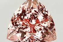 JFJ Styles: Morganite / Alongside emerald and aquamarine, morganite is certainly the best known gemstone from the colourful group of the beryls. Women the world over love morganite for its fine pink tones which radiate charm, esprit and tenderness