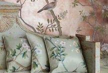 Vestire le pareti: wallpaper, carta da parati, boiserie...