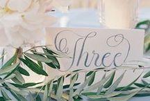 Jolis numéros de table et marque-place / Une sélection des plus beaux numéros de table et marque-place pour votre mariage.