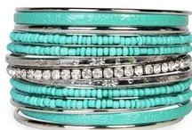 Accessories - bracelets / by Leticia Escabi