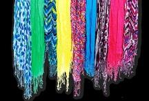 Accessories - scarves / by Leticia Escabi