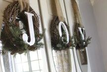 Holiday Window Decorations  / We have pulled together different ideas for decorating your windows during the holidays.
