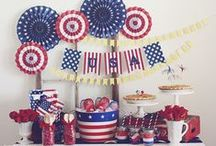 Patriotic Home Décor / Red, White & Blue decorating ideas and tips for Memorial Day, 4th of July & Veterans' Day! #frontdoor #porchdecor # fourthofjuly