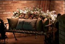 Winter Porch Decor / Searching for porch decorating ideas for winter and the holiday season? Get inspired with ideas for winter porch decor.