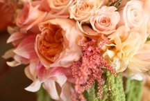 pink and peach wedding flowers / Beautiful pink and peach wedding bouquets