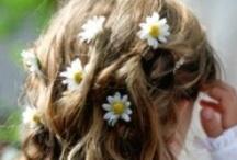 Gorgeous wedding hair flowers