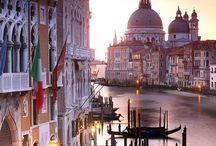 BELLA CITA DI VENEZIA / Bella, romántica, diferente ciudad con sus canales, puentes, góndolas y vaporetos.  Yo la he recorrido de todas formas.  Me fascina. . / by Venecia Rodriguez Bonnet
