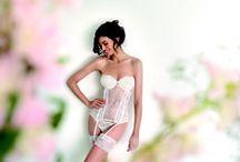 Lingerie de Mariée / bride lingerie / Parce qu'elle se doit d'être élégante et sophistiquée mais aussi séduisante et affriolante... Voici une sélection des plus belles pièces de lingerie de mariée !
