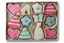Wedding Cookies / Looking for something special for your wedding? How about the perfect gift for Bridal showers and rehearsal dinners? Try these exquisite cookies. We can even customize them to meet your colors or attach a label commemorating the event.