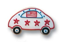 JULY 4TH / Fireworks just seem to be brighter when munching on an O'My Goodness cookie. Perfect for kids of all ages