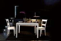 L'Esprit de Famille Luxury - zona giorno / L'emozione de trasformismo cromatico non cambia. Tinta di finitura: Bianco laccato con effetto invecchiato/consumato che riproduce i piccoli segni che il tempo imprime sul legno.