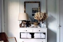 DECOR - FARMHOUSE FAB / Rustic, cozy farmhouse living with touches of nature and pastures of flowers