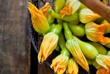 Flowers / Son comestibles siempre que sepamos su procedencia y la no utilización de productos químicos que las hagan incomestibles.