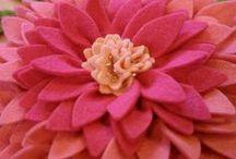 ~DIY Flowers~Felt~ / Instructions & Inspiration. Pin freely !