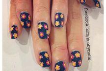 Nails / Nail art, nail polish, nail care