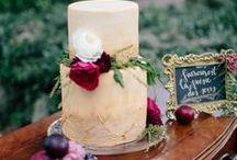 Wedding Cake Ideas   The Homestead 1835 / Pretty wedding cakes, pies and cupcakes for weddings in every season. www.homesteadevents.com #thehomestead1835 #weddinginspiration #weddings
