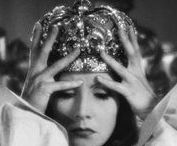 """1930s Queens and Empresses / """"The Scarlett Empress"""" Von STERNBERG """"The Private Lives of Elizabeth and Essex"""" CURTIZ """"Mary of Scotland"""" FORD """"Queen Christina"""" MAMOULIAN"""