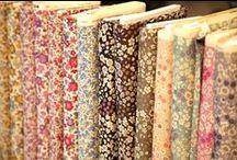 Collection Fleuri / Collection Frou-Frou : tissus, rubans, biais, spaghettis, boutons, thermocollants