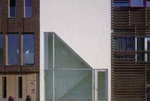 > Odd architecture