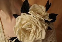 Fabric, Yarn and Paper Flowers / Tutorials and inspiration ideas for fabrick flowers.