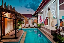 seminyak villa seagrass / Find the unique combination of the lively, modern neighborhood of Seminyak and a private stay in a quiet post modern-traditional Balinese ambience at Seminyak Villa Seagrass, predestined to become your tropical residence away from home. With a short 20 minutes drive from the airport , you will stroll into your comforting private villa with tasteful facilities, while still located in the heart of the most bustling and exciting area in Bali