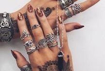 J e w e l l e r y / All types of jewellery.