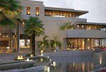 E x t e r i o r / House exterior photography, including gardens.