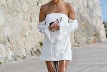 Kourtney Kardashian / The hottest looks worn by Kourtney Kardashian