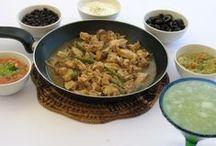 Comida Mexicana / Tacos mexicanos acompañados de deliciosas municiones -guacamole, pico de gallo, entre otras- para elegir