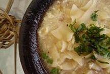 Cocina Chilena / Algo de la cocina típica de Chile y de nuestra Región de Valparaíso. Recopilación de recetas propias, de familiares y todo preparado por nuestro chef Luis Adriasola y familia.