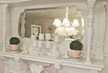 Magical Mantels / by Wendy de Rooy