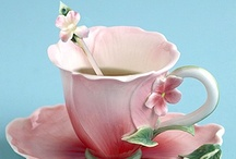 a cup of tea!!!!!!!!!! / by Giny Bakker