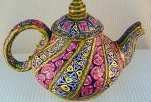 teapots / by Giny Bakker